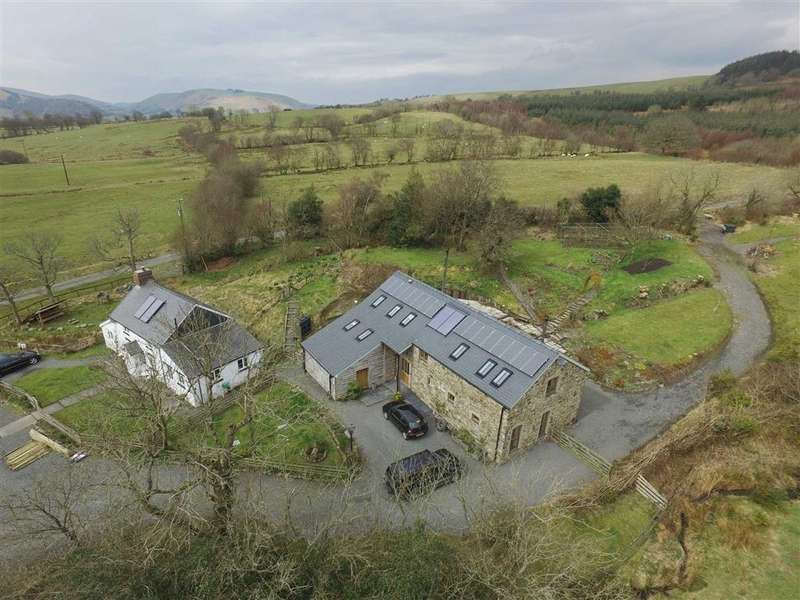3 Bedrooms Farm House Character Property for sale in Blaenglanhanog And Ger Yr Hanog, Carno, Caersws, Powys, SY17