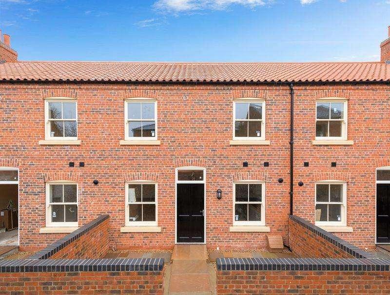2 Bedrooms Terraced House for sale in Steadman's Court East Street, Horncastle
