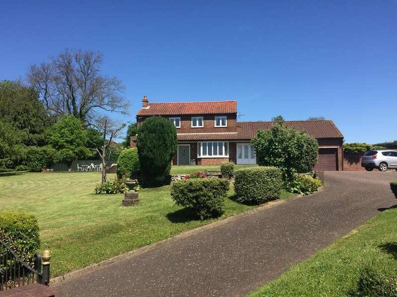 4 Bedrooms Detached House for sale in Hillside, Old Watling Street, Flamstead, AL3 8HL