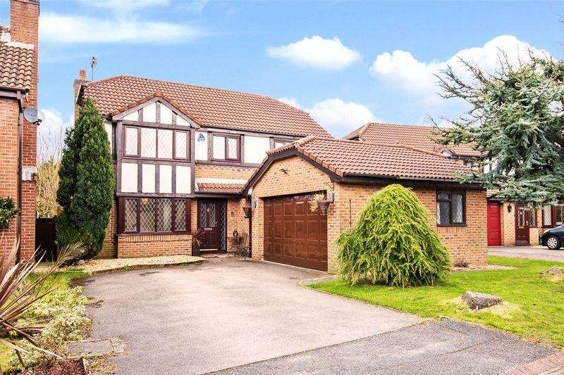 4 Bedrooms Detached House for sale in Edward Gardens, Warrington
