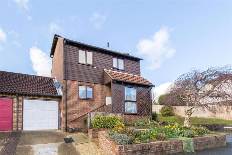 3 Bedrooms Detached House for sale in Gibraltar Rise, Heathfield