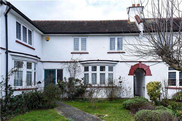 4 Bedrooms Semi Detached House for sale in Pollards Hill South, London, SW16