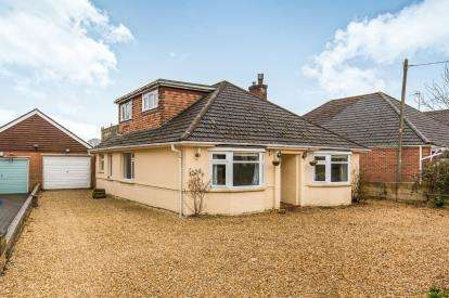 4 Bedrooms Bungalow for sale in Woodlands, Southampton, Hampshire