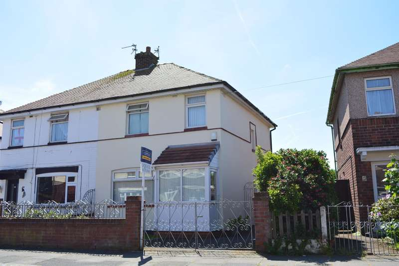 3 Bedrooms Semi Detached House for sale in Kingsmede, South Shore, Blackpool, FY4 3NN