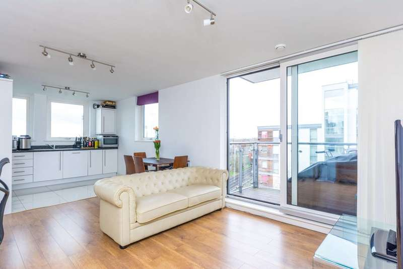 1 Bedroom Flat for sale in Ealing Road, Brentford, TW8