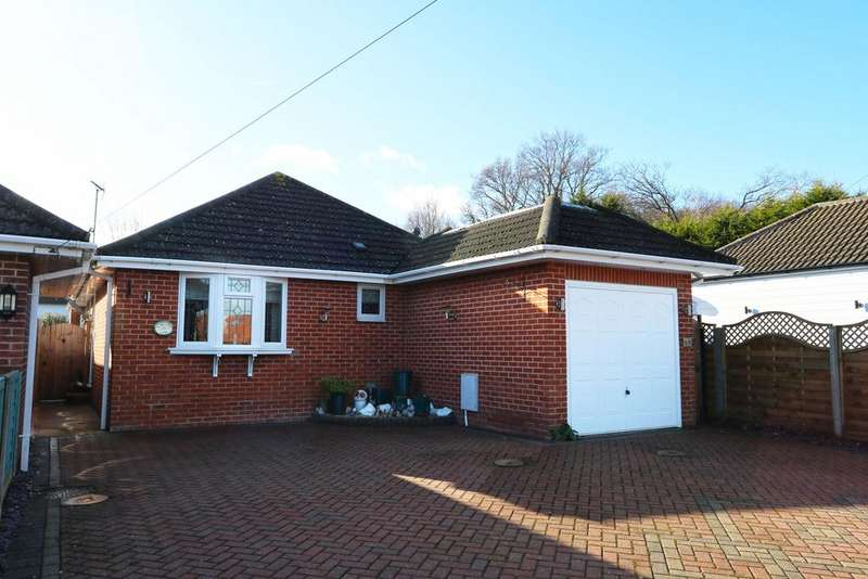 3 Bedrooms Detached Bungalow for sale in Kingsley Lane, Thundersley SS7