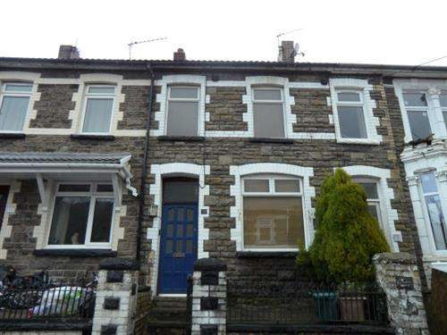 2 Bedrooms Terraced House for sale in Queen Street, Aberillery, NP13 1AP