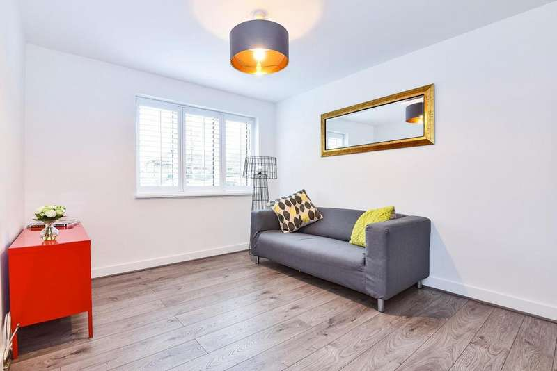 2 Bedrooms Flat for sale in The Downs, Wimbledon
