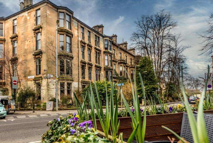 2 Bedrooms Apartment Flat for sale in 1 Turnberry Road, Partickhill, G11 5AF