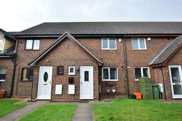 3 Bedrooms Terraced House for sale in Toothill Gardens, Grimsby