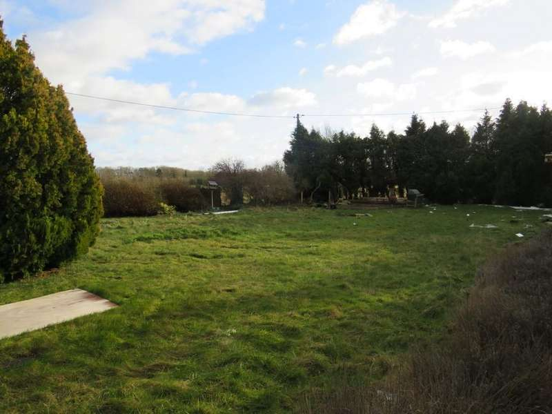Land Commercial for sale in Lechlade, Gloucestershire