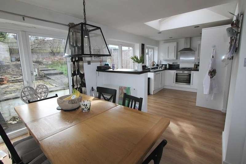 4 Bedrooms Semi Detached House for sale in Somerset Way, Paulton