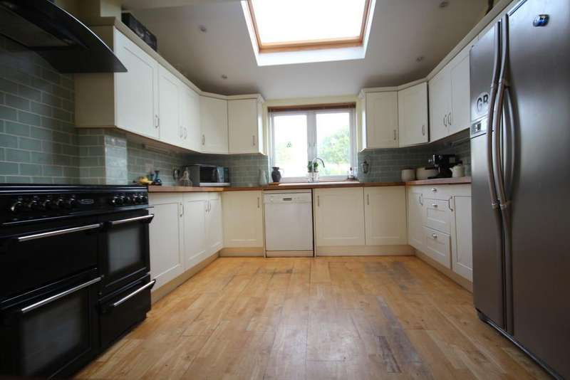 4 Bedrooms End Of Terrace House for sale in On a popular terrace in Clutton.