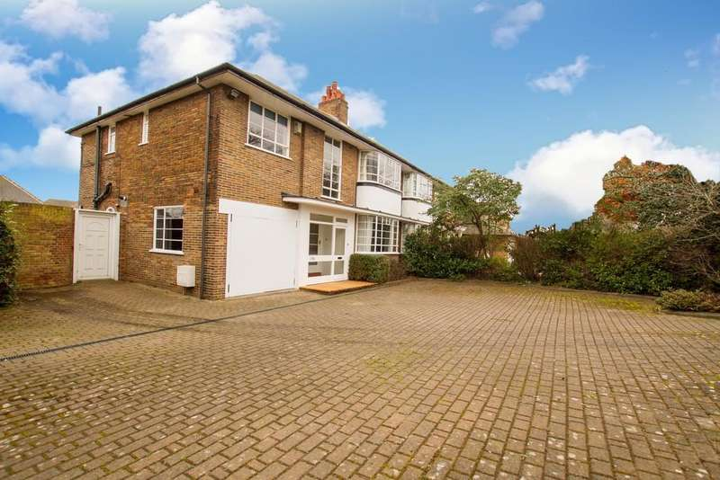4 Bedrooms Semi Detached House for sale in Bawtry Road, Bessacarr, Doncaster