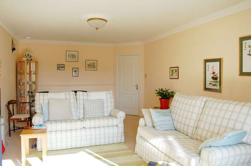2 Bedrooms Apartment Flat for sale in Blair Avenue BH14