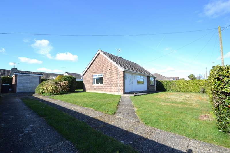 2 Bedrooms Bungalow for sale in Corfe Mullen