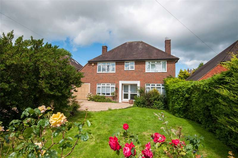5 Bedrooms Detached House for sale in Lower Peryers, East Horsley, Leatherhead, Surrey, KT24