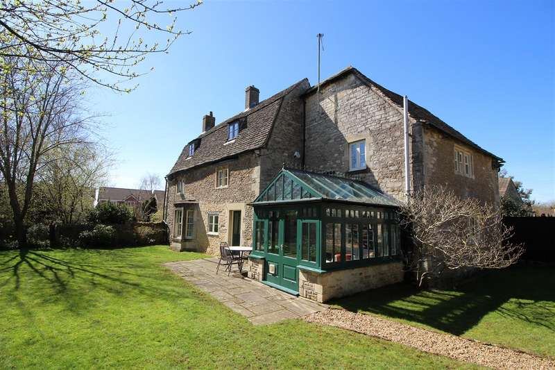 5 Bedrooms Detached House for sale in Derriads Lane, Chippenham