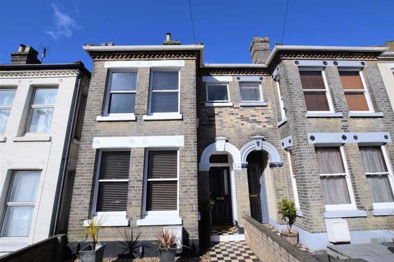 3 Bedrooms Terraced House for sale in Cedar Road, Thorpe Hamlet
