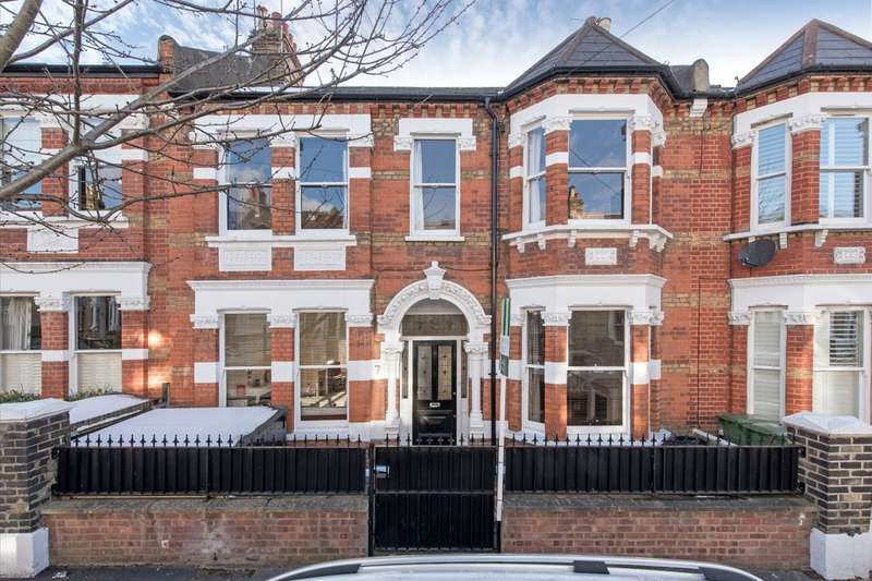 6 Bedrooms Terraced House for sale in Devereux Road, London