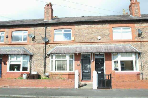 4 Bedrooms Terraced House for sale in Hermitage Road, Hale