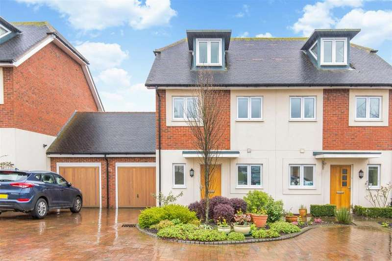 3 Bedrooms Semi Detached House for sale in Crosshaven Place, Lewes