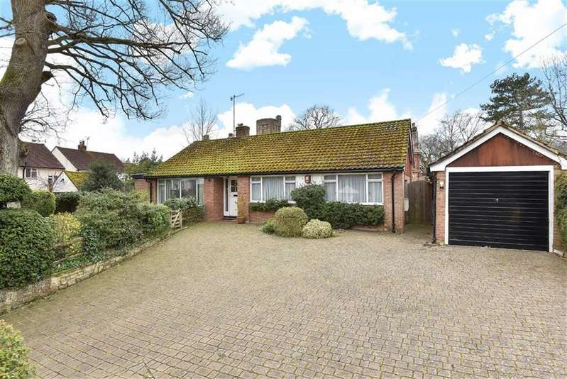 4 Bedrooms House for sale in Knoll Road, Godalming, Surrey, GU7