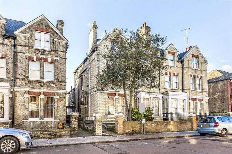 3 Bedrooms Flat for sale in Ribblesdale Road, London, N8