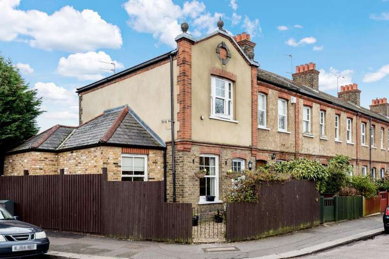 3 Bedrooms House for sale in Oldfield Road, Hampton, TW12