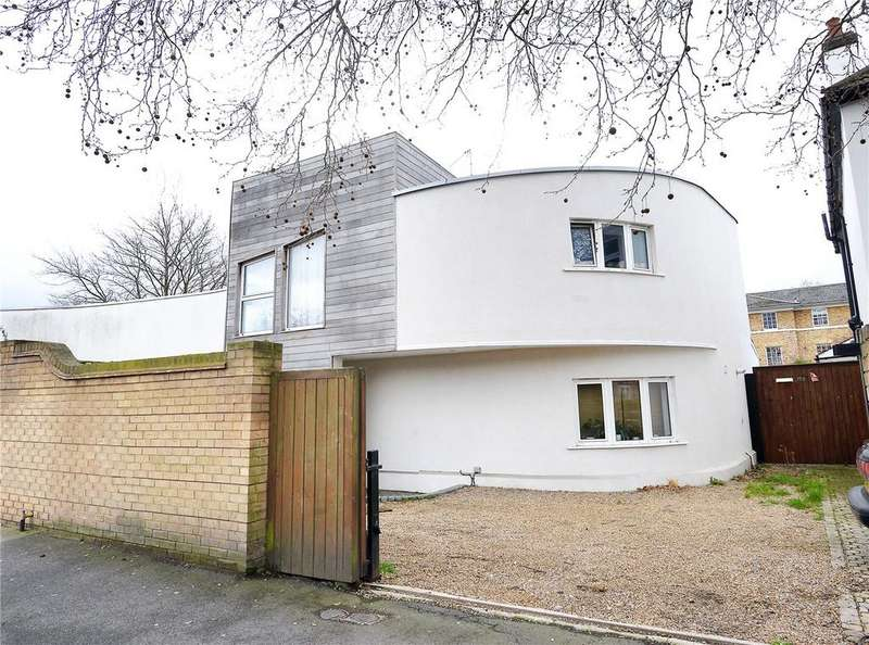 3 Bedrooms Maisonette Flat for sale in Grove Lane, Camberwell, London, SE5