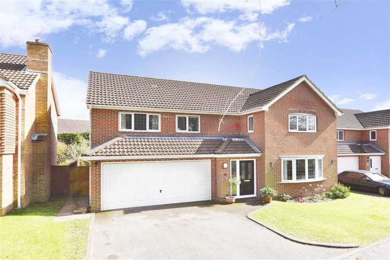 4 Bedrooms Detached House for sale in MONTEREY DRIVE, LOCKS HEATH