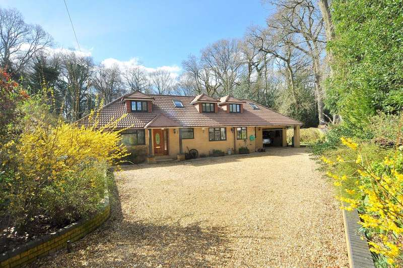 4 Bedrooms Detached House for sale in Kings Close, West Moors