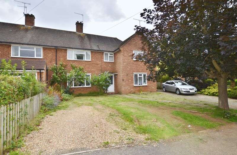 3 Bedrooms Property for sale in Hurst Farm Close Milford, Godalming