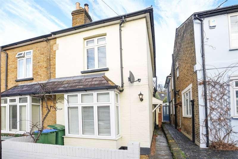 3 Bedrooms Semi Detached House for sale in Anderson Road, Weybridge, Surrey, KT13