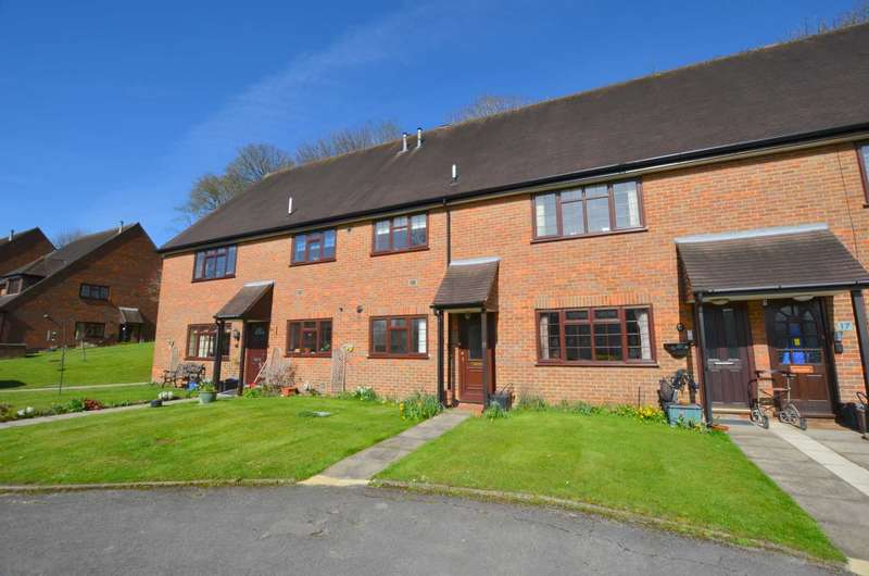 2 Bedrooms Apartment Flat for sale in Forelands Way, Chesham HP5