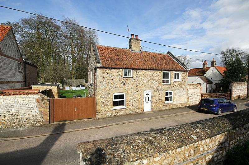 3 Bedrooms Cottage House for sale in High Street, Northwold, Thetford