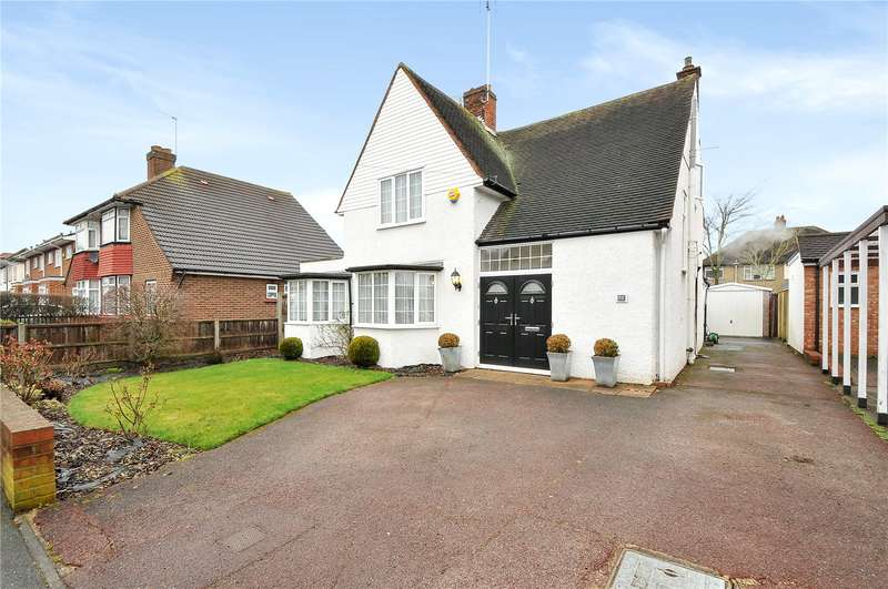 4 Bedrooms Detached House for sale in Elm Avenue, Ruislip, Middlesex, HA4