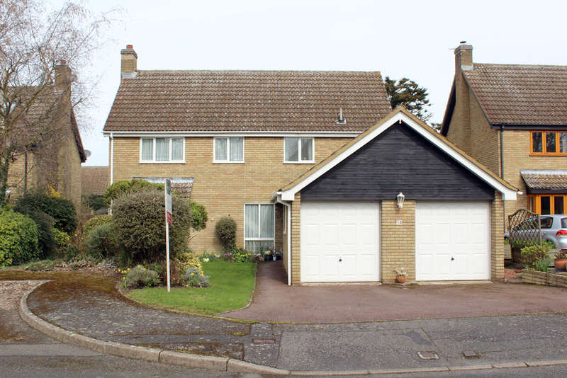 4 Bedrooms Detached House for sale in Downlands, Royston