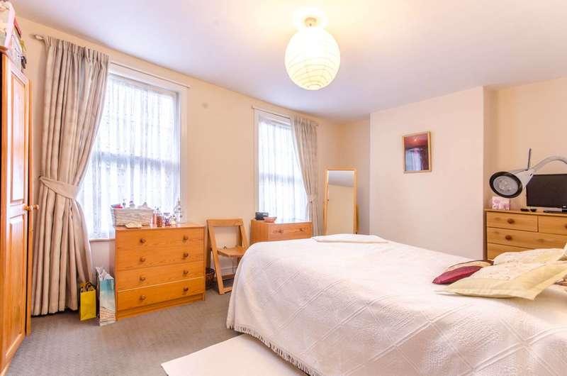 3 Bedrooms House for sale in Lodge Lane, Woodside Park, N12