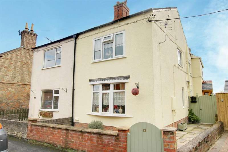 3 Bedrooms Semi Detached House for sale in Chauntry Road, Alford