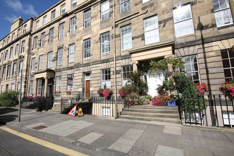 4 Bedrooms Flat for rent in Henderson Row, Edinburgh EH3