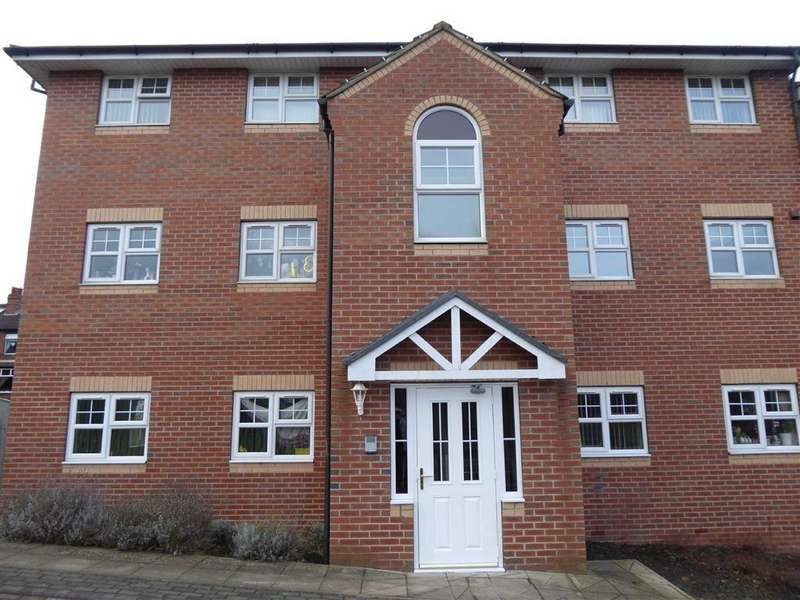 2 Bedrooms Apartment Flat for sale in Farnley Crescent, Farnley, Leeds, West Yorkshire, LS12