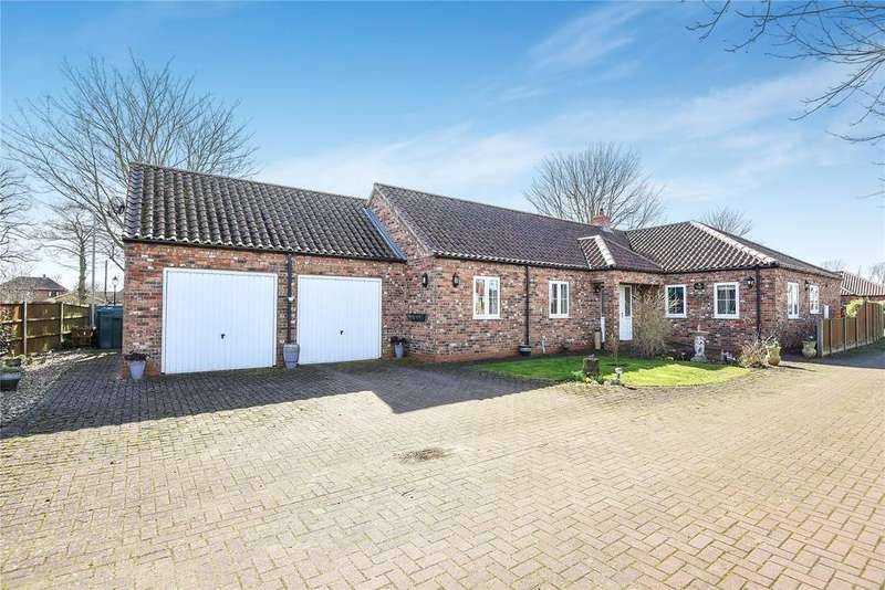 4 Bedrooms Detached Bungalow for sale in Merlin Close, Eagle, LN6