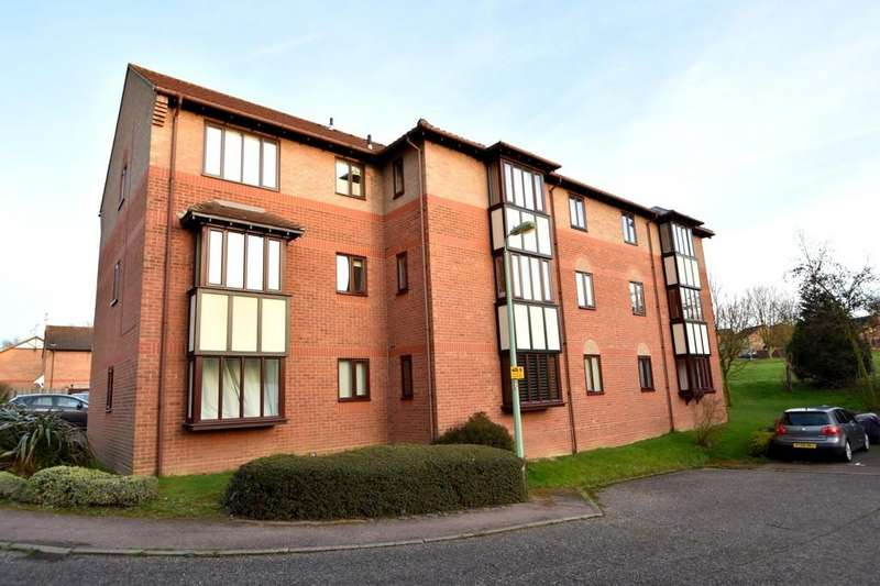 1 Bedroom Ground Flat for sale in Capel Drive, Felixstowe, IP11 2FR