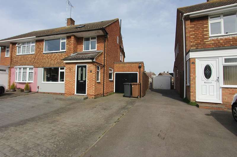 4 Bedrooms Semi Detached House for sale in Abbess Close, Chelmsford, Essex, CM1 2SE