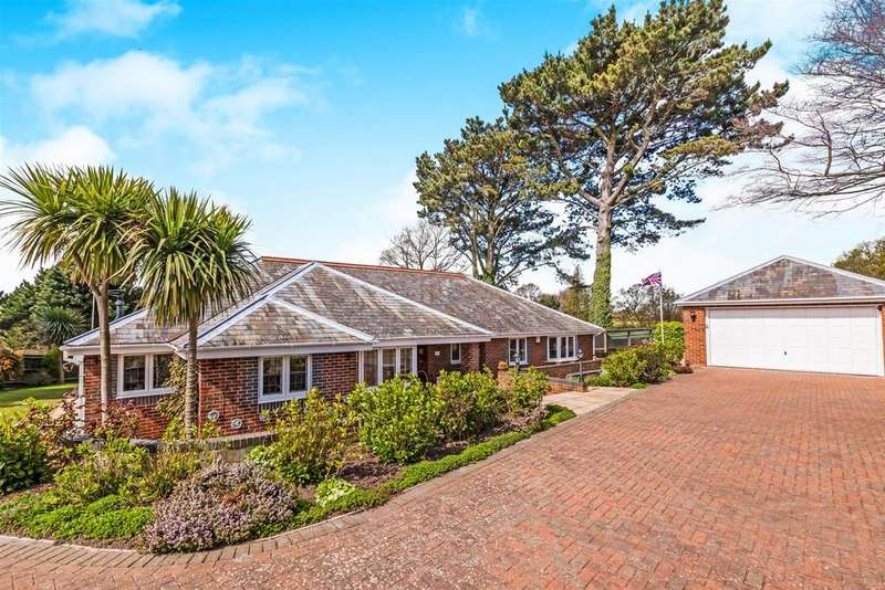 4 Bedrooms Detached Bungalow for sale in Bexhill-On-Sea
