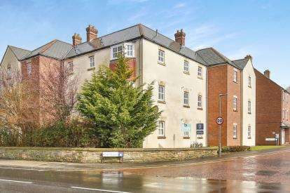 2 Bedrooms Flat for sale in Taylor Court, Durham, County Durham, DH1