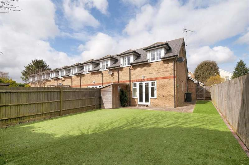 2 Bedrooms End Of Terrace House for sale in Red Roses Close, East Peckham
