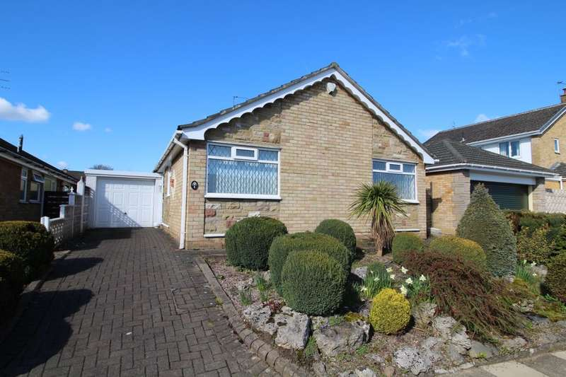 3 Bedrooms Detached Bungalow for sale in Troutbeck Road, Gatley, Cheadle, SK8