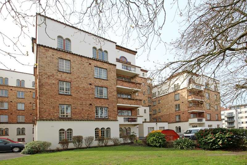 1 Bedroom Apartment Flat for sale in Sea Road, Boscombe, Bournemouth